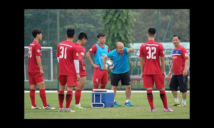 4 điểm tương đồng giữa HLV Park Hang-seo và HLV Philippe Troussier
