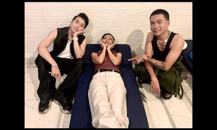 Ảnh hậu trường của huấn luyện viên Rap Việt