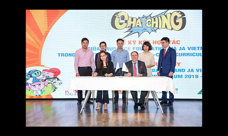 Quỹ Prudence 'bắt tay' JA Việt Nam triển khai Giáo trình quản lý tài chính Cha-Ching tại 31 trường tiểu học Hà Nội