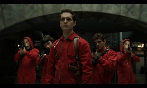 Quán bar 'Hà Nội' xuất hiện trong phim cướp nhà băng Tây Ban Nha?
