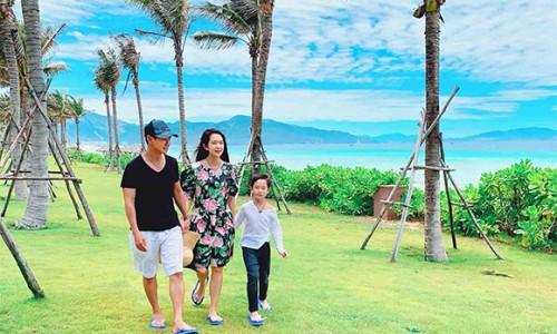 Gia đình Lý Hải đi nghỉ dưỡng ở biển sau mùa dịch Covid-19