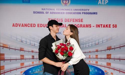 Á hậu Phương Nga mừng vì tốt nghiệp đúng hạn