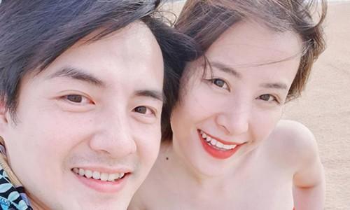 Đông Nhi tự tin mặc bikini khi mang bầu ở tháng thứ 5