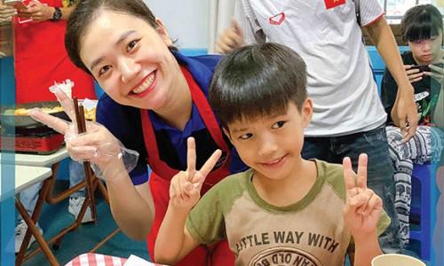 Lock&Lock phối hợp với Blue Dragon Children's Foundation tổ chức lớp học nấu ăn cho trẻ em có hoàn cảnh đặc biệt