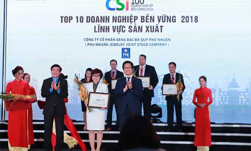 PNJ vinh dự được Chính phủ trao chứng nhận 3 năm liên tiếp trụ vững Top 10 doanh nghiệp phát triển bền vững