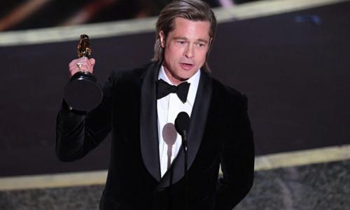Brad Pitt đi dạo sau khi bị Tổng thống Donald Trump 'đá xéo'
