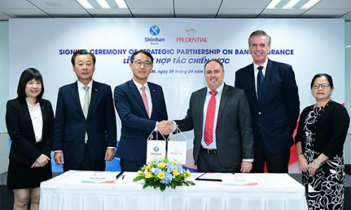 Prudential Việt Nam ký kết hợp tác chiến lược với Ngân hàng Shinhan