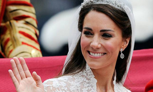 Kate từng 'không tuân theo truyền thống hoàng gia' trong ngày cưới