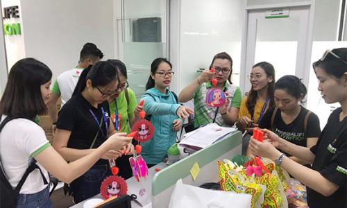 Herbalife Việt Nam tổ chức hàng loạt hoạt động vui Tết Trung thu cho trẻ em có hoàn cảnh khó khăn