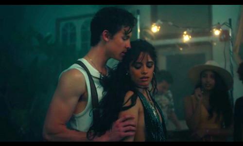 MV mới của Shawn Mendes và Camila Cabello tràn ngập cảnh 16+