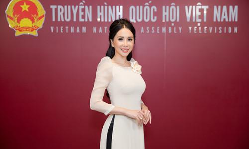Hoa hậu Châu Ngọc Bích trải lòng sau nửa năm đăng quang Mrs Universe Ambassador 2018
