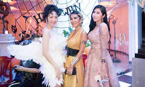 Hoa hậu Nhật Phượng quyến rũ với trang phục thiên thần do chính mình thiết kế