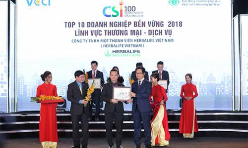 """Herbalife xuất sắc đạt 2 danh hiệu 'Top 100 doanh nghiệp bền vững Việt Nam 2018' và 'Top 10 doanh nghiệp bền vững lĩnh vực dịch vụ thương mại"""""""