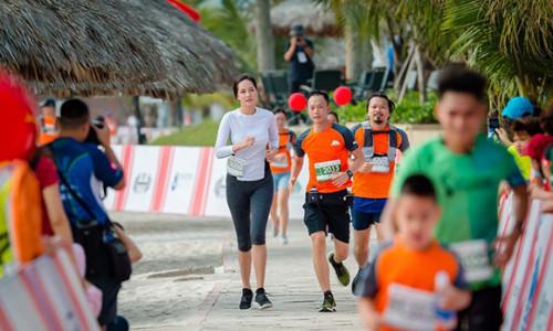 Mai Phương Thúy 7 năm theo đuổi môn chạy bộ